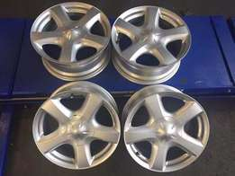 Isuzu 17 inch Original Mags For R 3500 Mags without tyres
