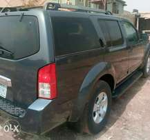 Abuja neatly used Nissan PATHFINDER for quick sale