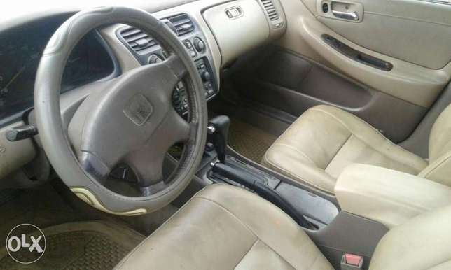 Neatly used honda accord 1999 model for sale Port Harcourt - image 6