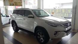 Specials new Toyota Fortuner 2.7vvt-i automatic in white