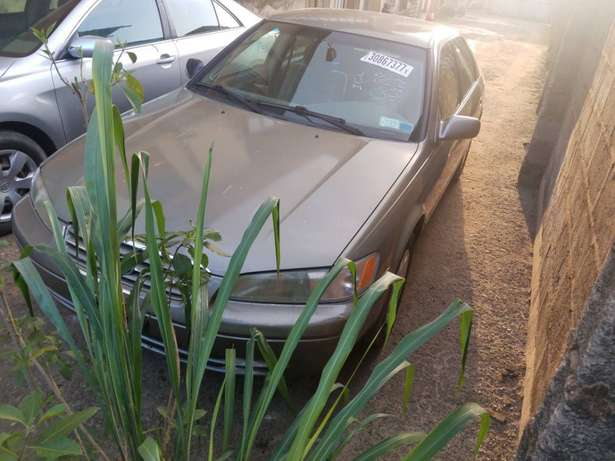 very clean Toyota Camry tiny lightTokunbo Lagos clear paid full duty Alimosho - image 6