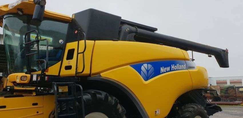 New Holland Cr9060 Elevation - 2010