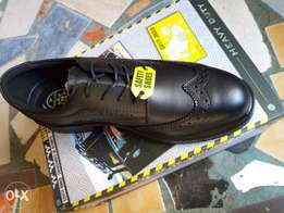 Safety shoes, boots and accessories