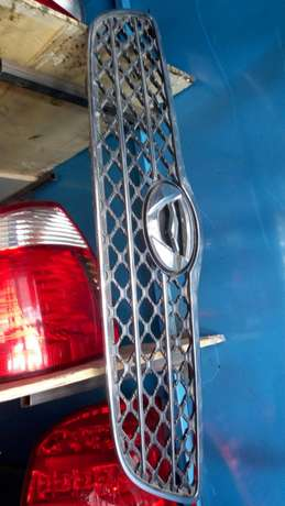 Fielder headlight xenon and non xenon,grills Nairobi CBD - image 2