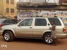 Clean & well used Nissan pathfinder.