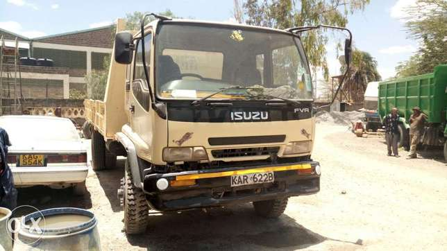 Very clean Isuzu FVR truck 2003 model Muthaiga - image 2