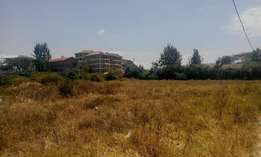 This is 1/4 of an acre behind the barclays bank in Ongata Rongai.