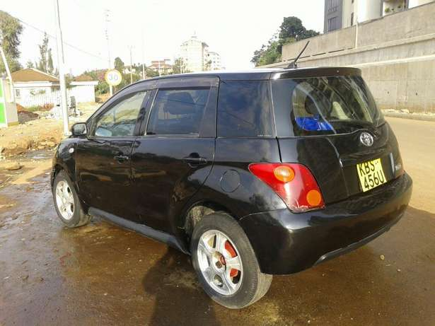 Toyota IST on offer 2005 Nairobi CBD - image 2