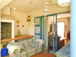 Beautiful 2 bedroom unit with lovely garden
