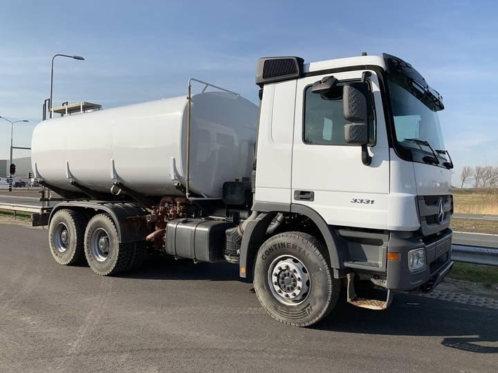 Mercedes-Benz Actros 3331K 6x4 Water Truck RAVASINI 20000 litres - 2014