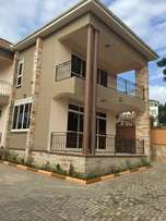 An apartment for sale in Munyonyo at 1bn