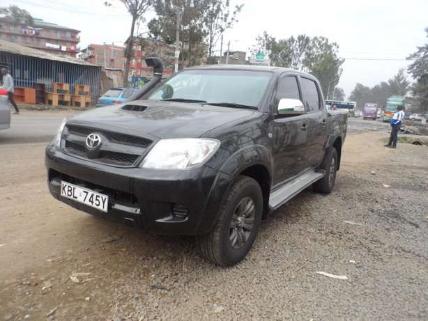 A clean and well maintained toyota hilux Umoja - image 2