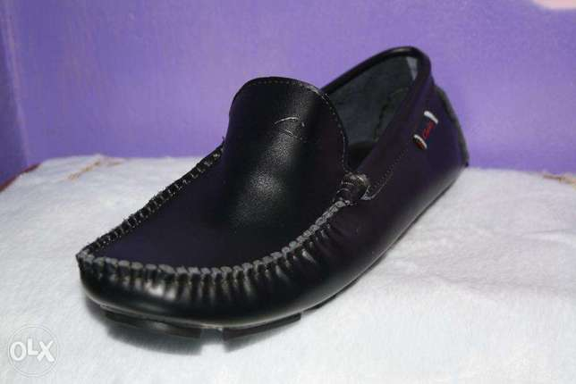 Slip on clarks official shoes Nairobi CBD - image 2