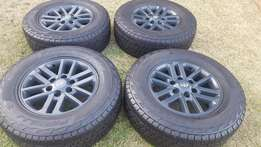 Toyota Fortuner/Hilux Original 17 inch Mags Tyres in Army or Military