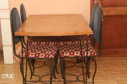 4 seated dinning table