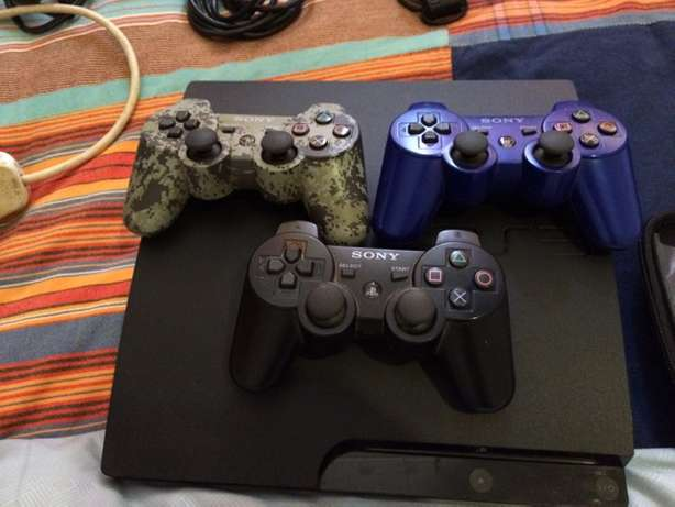 Play Station 3 from America for sale with 11 games & 3 remotes Langata - image 2