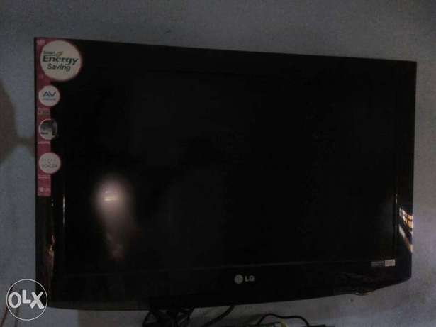 """LG Television 28"""" for just #40,000 Ilorin West - image 4"""