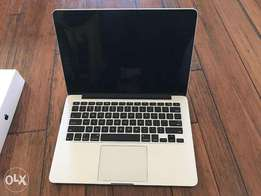 "Apple MacBook Pro Retina 13"" (Early 2015)Core i5 with at 96k"