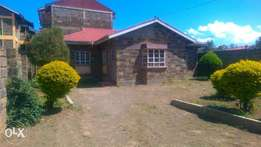 3 bedroom ensuite own compound to let.