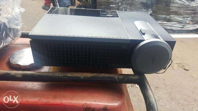 High Quality Faily Used Tested Projector (Dell 1610HD and Dell S300wi) Ojo - image 2