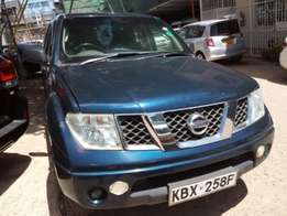 Locally Used Green 2005 Nissan Navara Diesel For Sale KSh1,210,000/=