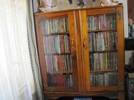 Kiaat bookshelf with more than 500 books