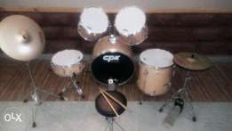 Complete drum set with chair