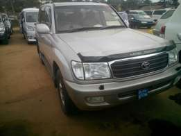 Land cruiser V8 on quick sale Petrol engine