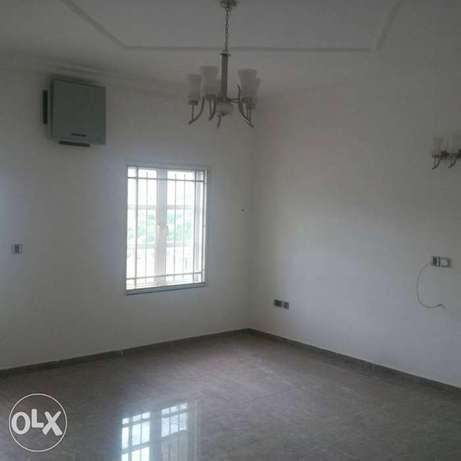 A tastefully finished, serviced & brand new 3bedroom terrace Duplex. Asokoro - image 6