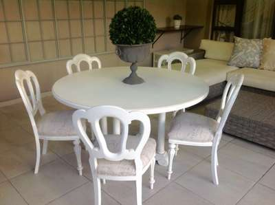 Peachy Antique French Wetherlys Dining Room Table And Chairs Interior Design Ideas Oteneahmetsinanyavuzinfo