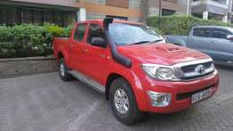 Hilux double cabin year 2009 Manual diesel