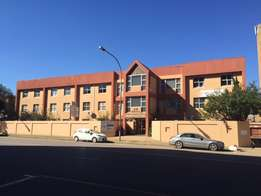 79 m/2 Renovated office space to let in Kempton Park
