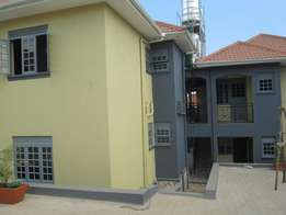 Two bed room apartment with two toilets at 500000 in Kirinya-Bweyogere