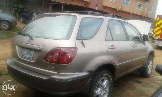 Neatly used lexus rx 300 for sale Port Harcourt - image 8
