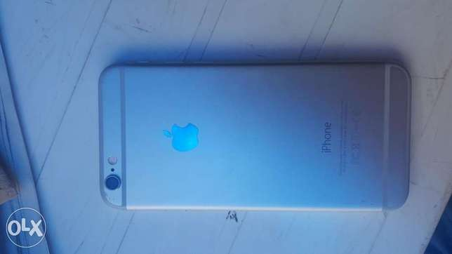 Iphone 6 For Sale !! + free Adidas cover Avenue Park - image 2