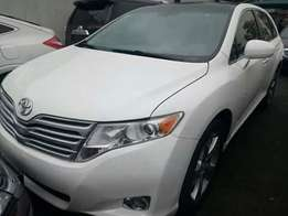 Extremely clean fullest option 2010 venza sunroof/ thumbstart