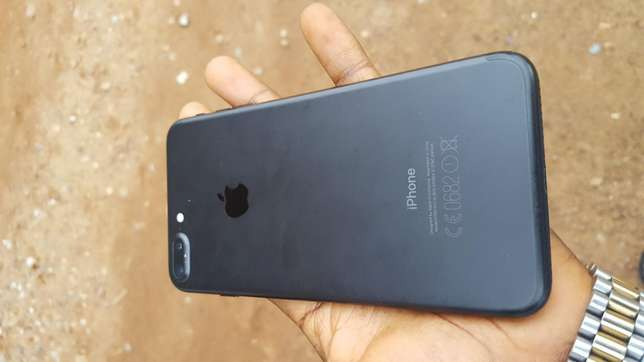 Black factory unlocked black iPhone 7 plus 32gb for sale for low price Saki West - image 1
