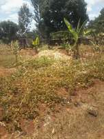 3/4 of an acre at Makuyu, Mihango with house.