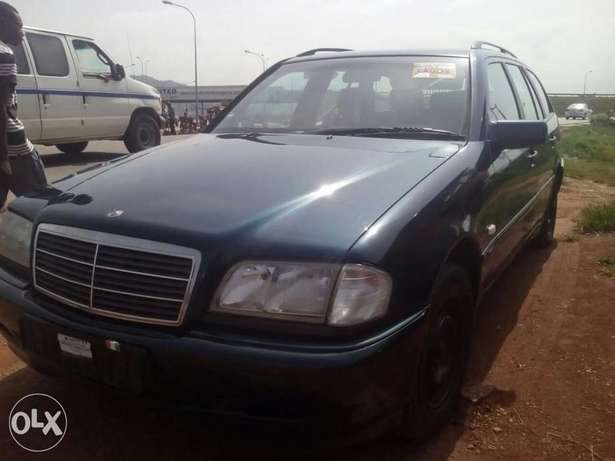 Clean direct Belgium of C230 up for grabs Gwarinpa Estate - image 1