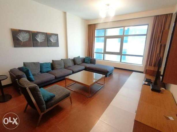 Spacious 3 BR FF Apartment+Closed Kitchen+Internet+Housekeeping