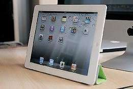 **BARGAIN** iPAD 2 **WHITE** 16GB 4G/Wi-Fi to sell/swop for cellp