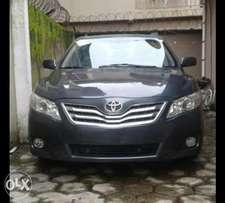 Tokunbo Toyota Camry XLE, with 4 Engine Plugs