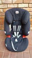 Britax Multi Tech II - Rear and Forward Facing car seat (9-25kg)