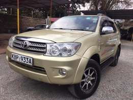Toyota Fortuner 2004 For Quick Sale Asking Price 2,100,000/= o.n.o
