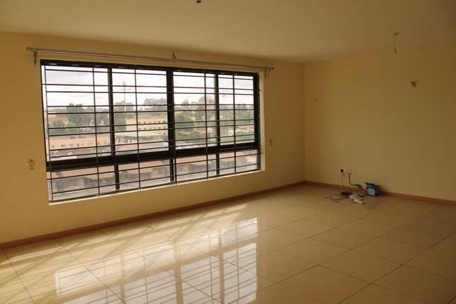 To Let - 1100 Sq ft Office Space Parklands - image 1