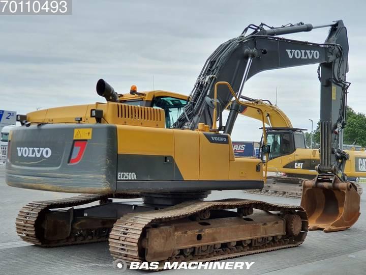 Volvo EC250 D L Form first owner - 2012 - image 5