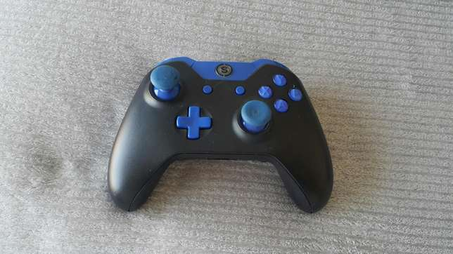 Xbox one with Scuff Springs - image 3