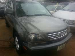Perfectly used lexus rx300 00 buy n drive tincan cleared
