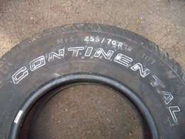 1 X Spare Tyre - 255/70R16 (Good Condition)