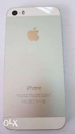 iPhone 5s unlocked in good condition Nairobi CBD - image 2